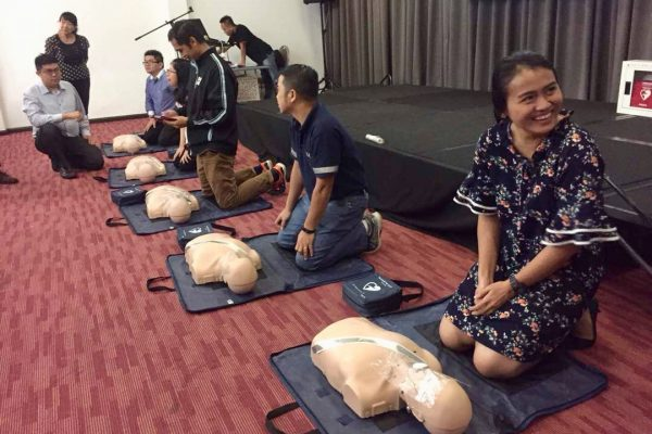 Hands on on AED Trainer and CPR